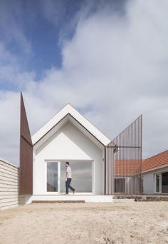 Ferreira Arquitetos, Ivo Tavares Studio · UNIFAMILIAR HOUSING_PF