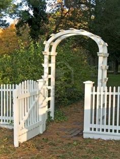gardens drawing A white garden gate and picket fence along with a cobblestone walkway. A white garden gate and picket fence along with a cobblestone walkway. Picket Fence Garden, Patio Fence, White Picket Fence, Diy Fence, Fence Gate, Garden Gates, Backyard Landscaping, Picket Fences, Garden Arbor