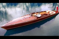 Do It Yourself Boat Plans. MyBoatPlans gives you instant access to over step-by-step boat plans, videos and boat building guides Wooden Boat Building, Wooden Boat Plans, Boat Building Plans, Plywood Boat, Wood Boats, Mclaren P1, Course Vintage, The Dark Side, Classic Wooden Boats