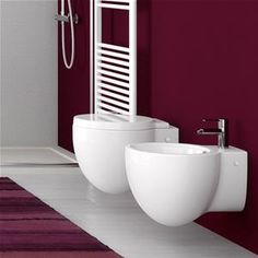 Sanitari sospesi completi di sedile softclose ideali per piccoli spazi Bathtub, Interior Design, Bathroom, Mini, Houses, Trendy Tree, Standing Bath, Nest Design, Washroom