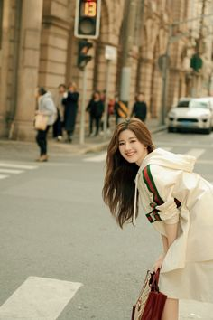 China Entertainment News: Zhao Lusi Casual Hijab Outfit, China Girl, Girl Inspiration, Chinese Actress, Aesthetic Girl, Ulzzang Girl, Girl Pictures, Korean Girl, Teen Fashion