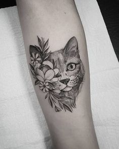Find the tattoo artists and the perfect inspiration to your tattoo. - – This date created in 2002 at the initiative of the International Fund for Anim - Black Cat Tattoos, Animal Tattoos, Sexy Tattoos, Love Tattoos, Body Art Tattoos, Small Tattoos, Tattos, Gorgeous Tattoos, Tattoos For Lovers