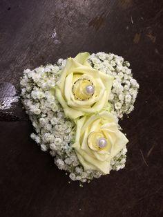 Ring Kissen mit frischen Blumen!