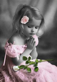 Beautiful colorful pictures and Gifs Precious Children, Beautiful Children, Beautiful Babies, Splash Photography, Color Photography, Color Splash Photo, Splash Of Color, Pink Images, Black And White Pictures