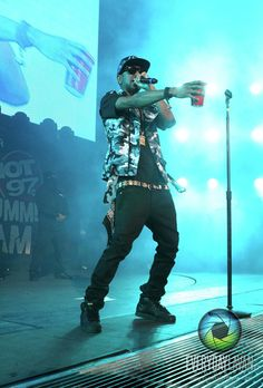 Big Sean. Haha I love how he's holding a solo cup:D