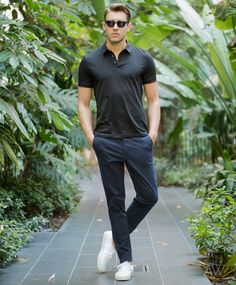The Chino Pants Rules Most Guys Break I see a boatload of guys making the following mistakes, so I want you to be aware of them: Do not wear or own black chino pants. You'll look like a waite…