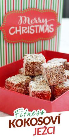 Toto vánoční cukroví dělávala moje babička, a proto jsem se rozhodla zkusit ho i ve fitness verzi. A povedlo se perfektně hned napoprvé. Základ těsta tvoří vejce, mléko, čokoládová ovesná mouka a čokoládový protein. Vláčnost dodávají ořechy. Po upečení se těsto rozřeže na kostičky, namočí v rumové lázni a obalí v kokosu. Krispie Treats, Rice Krispies, Cereal, Cooking, Breakfast, Fitness, Desserts, Christmas, Recipes