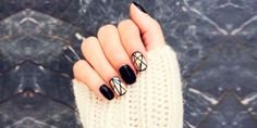 Dear ladies, today we have for you a modern and interesting ideas for Geometric Nail Designs You Can Try To Copy . Geometric Nail Designs is the art Black And White Nail Designs, Black White Nails, White Nail Art, Black Gold, White Glitter, Black Onyx, Minimalist Nails, Cute Nails, Pretty Nails