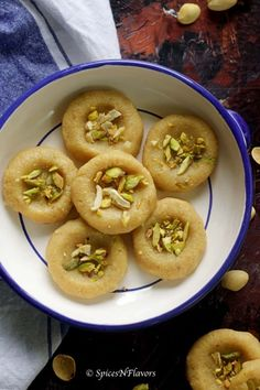 23 Indian Sweets under 30 mins to try this Holiday season Simple Indian Sweets Recipe, Indian Dessert Recipes, Healthy Dessert Recipes, Sweets Recipes, Indian Recipes, Candy Recipes, Kalakand Recipe, Peda Recipe, Easy Cooking