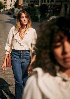 Sézane - Chloé Shirt Madeleine Fashion, White Shirts, Parisian Style, Fall Wardrobe, High Collar, Clothes Horse, Covered Buttons, Slow Fashion, La Mode