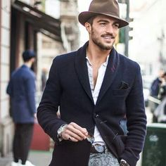 #MarianoDiVaio Now this is how you carry facial hair and a great hat! Hipsters take note: This man is not a hipster, he is a man! #SoHandsome #ForTheFellas