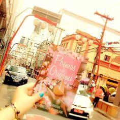 Lançando o livro em #saopaulocity no #bairrodaliberdade. #poemasdeorigami #felicidade #Japão #Hiroshima