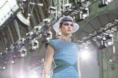 Chanel at Paris Fashion Week Spring 2018 - Details Runway Photos