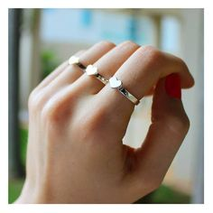 Sabe aqueles aneizinhos que você não tira mais do dedo? ❤ www.franbagatini.com.br  #handmadejewelry #franbagatini #feitoamao #joiaemprata #anelcoracao #design #art