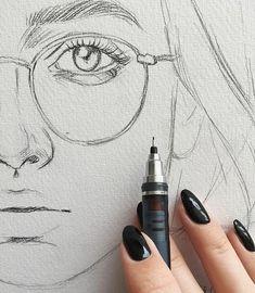 Quick sketch, fine lines, pencil drawing, face portrait, eye detail