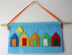 Craft and Other Activities for the Elderly: A Felt Wall Hanging to Make - Beach Huts in Summer! (with printable pattern)