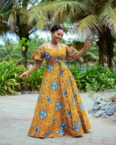 This African print long dress maxi dress Ankara maxi dress is just one of the custom, handmade pieces you'll find in our dresses shops. Ankara Maxi Dress, African Maxi Dresses, Latest African Fashion Dresses, African Dresses For Women, African Attire, African Wear, African Women, Ankara Fashion, African Style