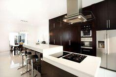 homify / Arturo Campos Arquitectos: Cozinhas translation missing: pt.style.cozinhas.moderno por Arturo Campos Arquitectos