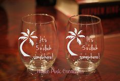 It's 5 o'clock somewhere, Personalized Etched Glass, Beach Wine Glass, Palm Trees, Birthday Gift, Summer Wine Glasses, Retirement Wine Glass