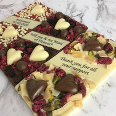 Homemade Chocolate Bars, Artisan Chocolate, Chocolate Sweets, Chocolate Shop, Chocolate Bark, Chocolate Gifts, Chocolate Recipes, Baking Packaging, Cake Decorating Piping