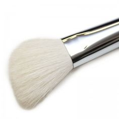 Foundation Stippling Brush by Makeup Geek #6