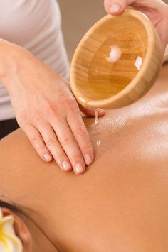 Body Massage With Oil. Close Up Of Woman Enjoying A Ayurveda Oil Massage , Coconut Oil For Teeth, Coconut Oil Pulling, Ayurveda, Coconut Benefits, Receding Gums, Body Treatments, Moisturiser, Health And Nutrition, Health