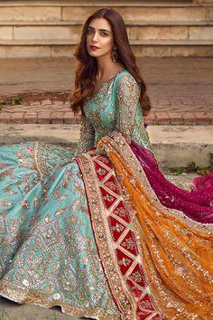 Asian Wedding Dress Pakistani, Asian Bridal Dresses, Pakistani Formal Dresses, Indian Gowns Dresses, Indian Fashion Dresses, Dress Indian Style, Pakistani Wedding Dresses, Pakistani Dress Design, Indian Designer Outfits