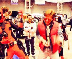 funny Deadpool cosplay | tumblr_mbyge9VAs51qfrkf9o1_250.gif