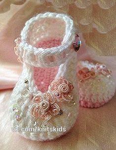Crochet Baby Girl Crochet Child Booties ♥♥ Crochet Baby Booties Supply : ♥♥… by debozark Crochet Baby Blanket Beginner, Quick Crochet, Baby Girl Crochet, Crochet Baby Shoes, Crochet Baby Clothes, Crochet For Kids, Baby Knitting, Free Crochet, Booties Crochet