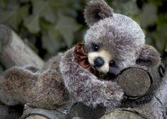 Three O'Clock Bears: Rascal...a sweet new bear available