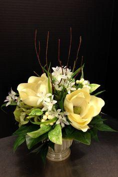 3 magnolia centerpiece