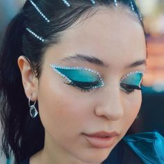 Eyebrows, Eyeliner, Makeup Inspo, Makeup Inspiration, Euphoria Fashion, Euphoria Clothing, Looks Dark, Cool Halloween Makeup, Creative Makeup Looks