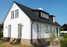 Fasaden på hus i Baskemölla, kanske vi kan bygga om vårt hus så här?