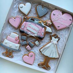 Прянички на годовщину свадьбы💕 ◽️Все свадебные наборы и комплименты можно посмотреть по хештегу #пряничная_лавка_свадьба Fancy Cookies, Valentine Cookies, Christmas Cookies, Bridesmaid Cookies, Gingerbread Icing, Wedding Dress Cookies, Horse Cookies, Vintage Sweets, Cupcake Cakes