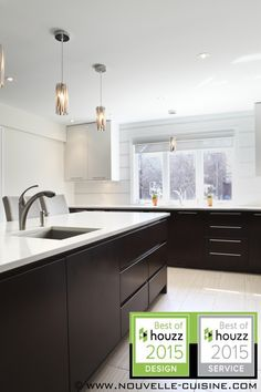 Acrylic Kitchen Cabinets And Quartz Countertops / Armoires De on Home Inteior Ideas 9513 Brass Kitchen, Kitchen Hardware, Kitchen Wall Shelves, Kitchen Cabinets, Kitchen Interior, Kitchen Design, Kitchen Ideas, Beautiful Houses Interior, Beautiful Homes