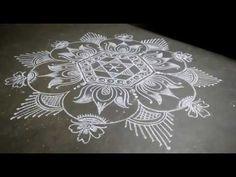 Simple Rangoli Border Designs, Rangoli Designs Flower, Free Hand Rangoli Design, Small Rangoli Design, Rangoli Designs Diwali, Beautiful Rangoli Designs, Kolam Designs, Flower Designs, Lotus Rangoli