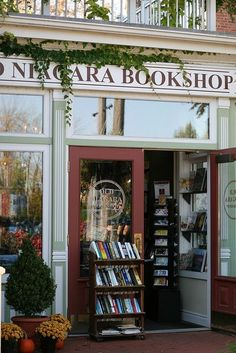 Old Niagara Bookshop~Niagara-On -The Lake, Ontario, Canada