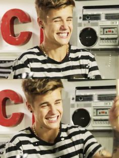 Justin Bieber Neo Adidas photoshoot i've never seen him smile and laugh at the same time. Justin Bieber Smile, Fotos Do Justin Bieber, Justin Bieber Pictures, Jung So Min, Believe Tour, Bae, You Are Cute, Good Smile, Smile Gif