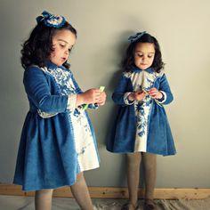Retro.Girl or toddler dress.Blue indigo por Moniquesthingsshop