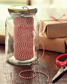 Put your twine inside a jar and poke the end through a hole in the lid Craft Room Storage, Craft Organization, Diy And Crafts, Arts And Crafts, Paper Crafts, Craft Room Design, Sewing Rooms, Craft Fairs, Diy Gifts