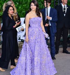 Aishwarya Rai Bachchan to miss amfAR in Cannes this year because of Sarbjit!