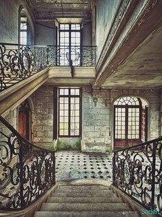 Chateau Staircase Staircase In Abandoned Building. How could a building this gorgeous be abandoned? I just can't believe it.Staircase In Abandoned Building. How could a building this gorgeous be abandoned? I just can't believe it. Beautiful Architecture, Beautiful Buildings, Beautiful Homes, Architecture Design, Beautiful Places, Old Mansions, Abandoned Mansions, Old Buildings, Abandoned Buildings