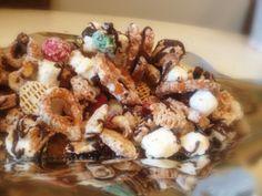 White Christmas snack mix