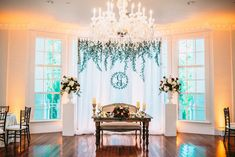 The most perfect sweetheart table! Kaitlin & Pablo Photo By That First Moment flowers by http://leeforrestdesign.com/