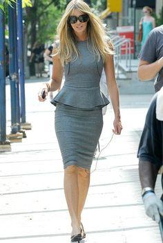 Elle MacPherson - Stars love Victoria Beckham - Fashion - Marie Claire