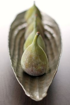 BEAUTIFUL THINGS — margadirube:   valscrapbook: Figs by photo-copy on...