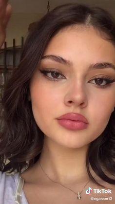 Glam Makeup Look, Makeup Eye Looks, Cute Makeup, Pretty Makeup, Eyebrow Makeup, Skin Makeup, Kendall Jenner Makeup Tutorial, Maquillage On Fleek, Makeup Tips
