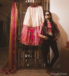 Indian Wedding Couple Photography, Bridal Photography, Wedding Couples, Wedding Photos, Bride Poses, Indian Lehenga, Bride Makeup, Bridal Lehenga, Wedding Looks