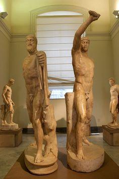 "heinzplomperg: "" retro-gay: "" Statues of Harmodius and Aristogeiton - Lovers and tyrannicides who helped establish democracy in Athens. Roman copies of Greek originals "" Schöne Dinge, … """