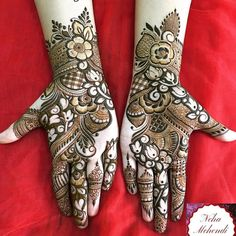 Can't get over the beauty of bridal Mehndi Designs for full hands? This full hand mehndi design with a mix of Indian and Arabic mehndi images is perfect for you! Get Amazing Collection of Full Hand Mehndi Design Ideas here. Simple and Easy Modern full. Latest Arabic Mehndi Designs, Mehndi Designs Book, Full Hand Mehndi Designs, Mehndi Designs For Girls, Mehndi Designs 2018, Modern Mehndi Designs, Dulhan Mehndi Designs, Mehndi Designs For Fingers, Mehndi Design Pictures